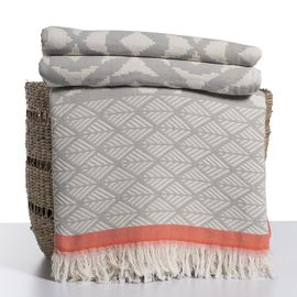 Throw May - Silver Grey / Coral
