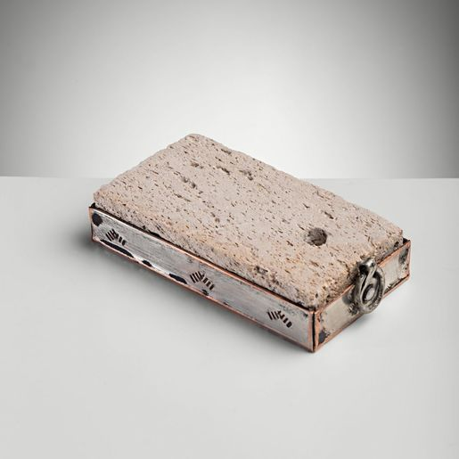 PUMICE STONE RECTANGULAR WITH METAL COVERED